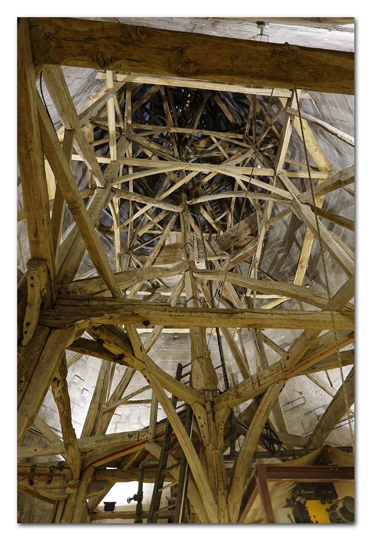 2006-06-09_0042w, Salisbury Cathedral_DXO